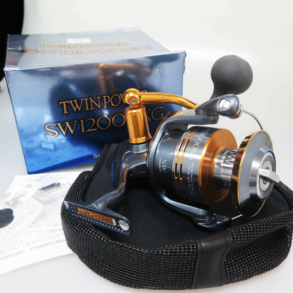 SHIMANO TWINPOWER SW12000XG Reel TWIN POWER SW 12000 XG Made In Japan
