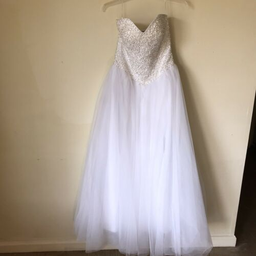 Sweetheart strapless Wedding Dress/Gown. Size 12