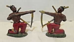 French-Mignot-Lead-Solider-Native-American-Indian-w-Bow-Arrow-45mm-Pair-Vintage