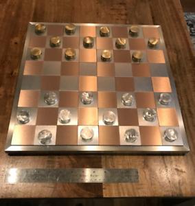 真鍮とアルミニウムチェッカーによる大きな金属/チェッカー板