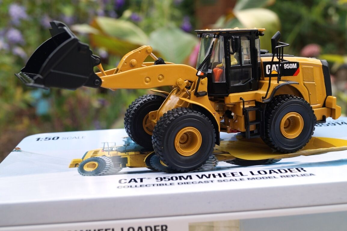 Diecast Masters CAT 950m cantiere scale 1 50 NUOVO OVP 85914