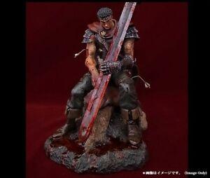 Berserk-GUTS-The-Hundred-Man-Killer-Bloodshed-Exclusive-Statue-Art-Of-War-LAST-1