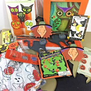 Halloween-fun-craft-amp-activity-huge-lot-of-items-fabric-jewelry-puzzle-wood-bags