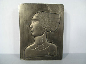 DOWN-RELIEF-STONE-SIGN-MADER-STONE-SCULPTURED-WOMAN-PROFILE-WOMAN-IN-STONE
