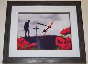 Guerra-Mundial-1-Cruz-en-la-colina-de-pared-o-escritorio-Reloj-10x8-Marco-de-Caja-de-Madera