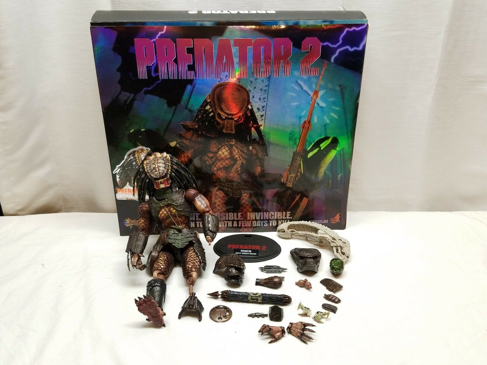 Hot Toys PROTator 2 Battle Damaged City Collectors Edition 1/6 Action Figure Box