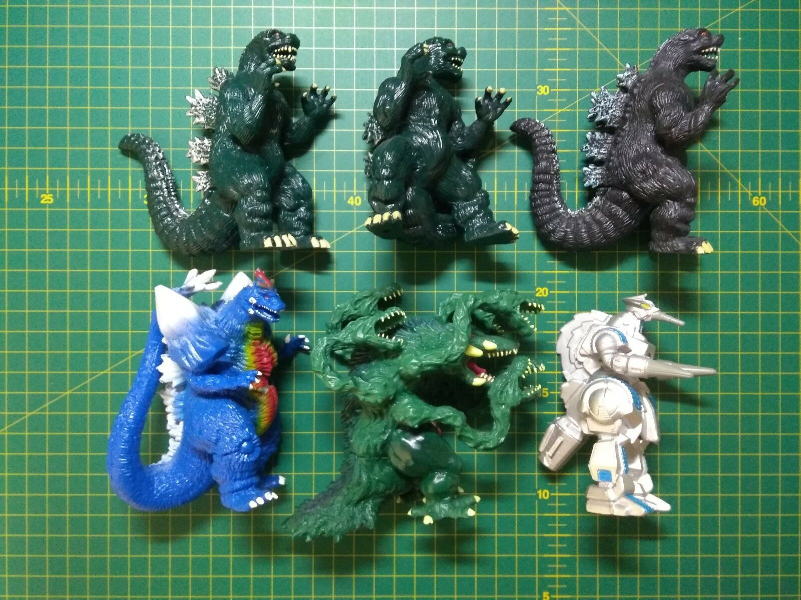 Trendmasters 94,95 small godzilla figures set of 6
