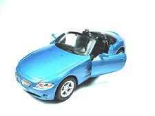 BMW Z4 Carbriolet Blau Miniatur Rückzugsmotor, L112xH35xB50mm  in Geschenkkarton