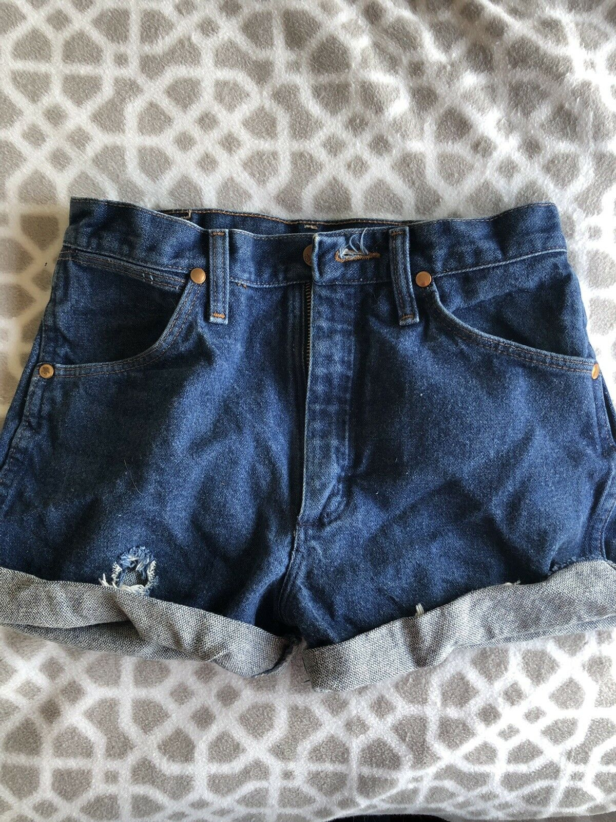 Vintage Mom Jean High Waisted Shorts from Wrangler- Size 0 2