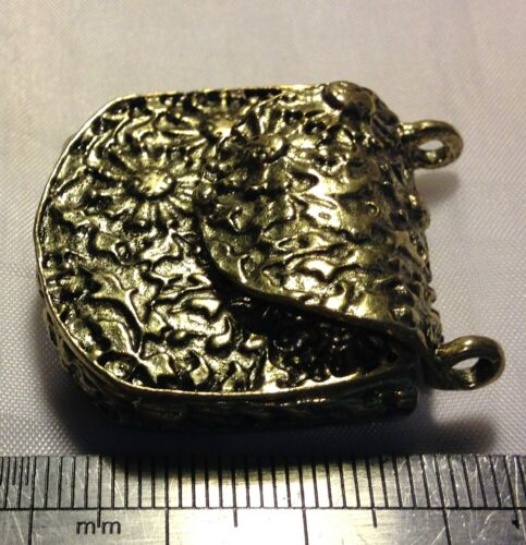 Gran bolso de mano bronce antiguo encanto colgante con solapa de apertura y cerrador magnético