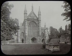 Glass Magic Lantern Slide WINCHESTER CATHEDRAL FRONT C1900 VICTORIAN PHOTO TOMBS - Cornwall, United Kingdom - Glass Magic Lantern Slide WINCHESTER CATHEDRAL FRONT C1900 VICTORIAN PHOTO TOMBS - Cornwall, United Kingdom