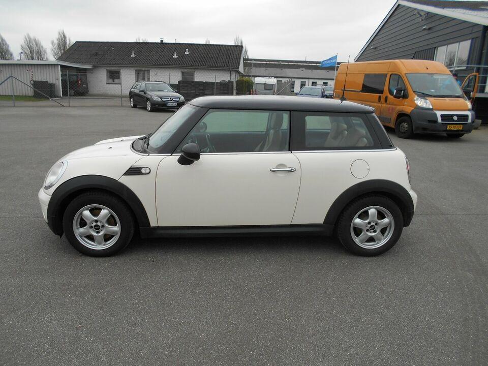 Mini Cooper 1,6 120 aut. Benzin aut. Automatgear modelår