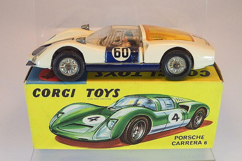 Corgi Toys 330 Porsche Carrera 6 in rarem blueee White with Original Box
