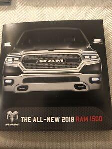 2017 Dodge Ram 1500 Pickup Truck 70-Page Deluxe Dealer Sales Brochure