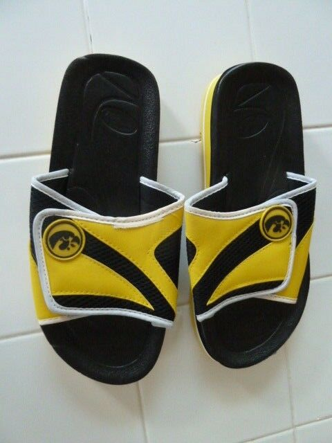 NEW Iowa Size Hawkeye Shower Flip Flops, 11