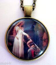 Medaillon vintage + chaine bronze/ Medallion +Chain necklace/knight,Sword,Epée