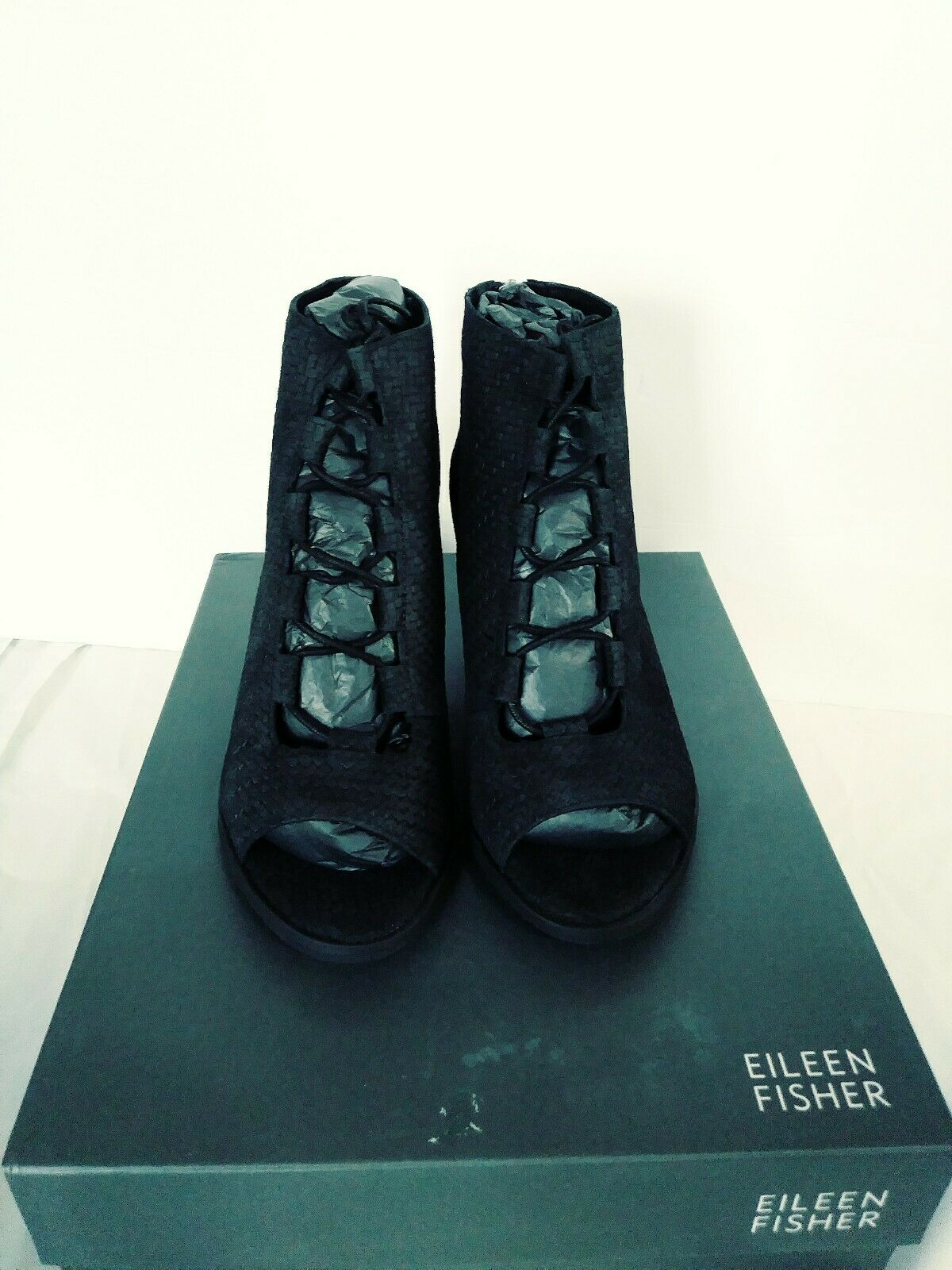 Eileen Fisher Ciénaga Encaje Negro Gamuza y botines con cremallera en la espalda