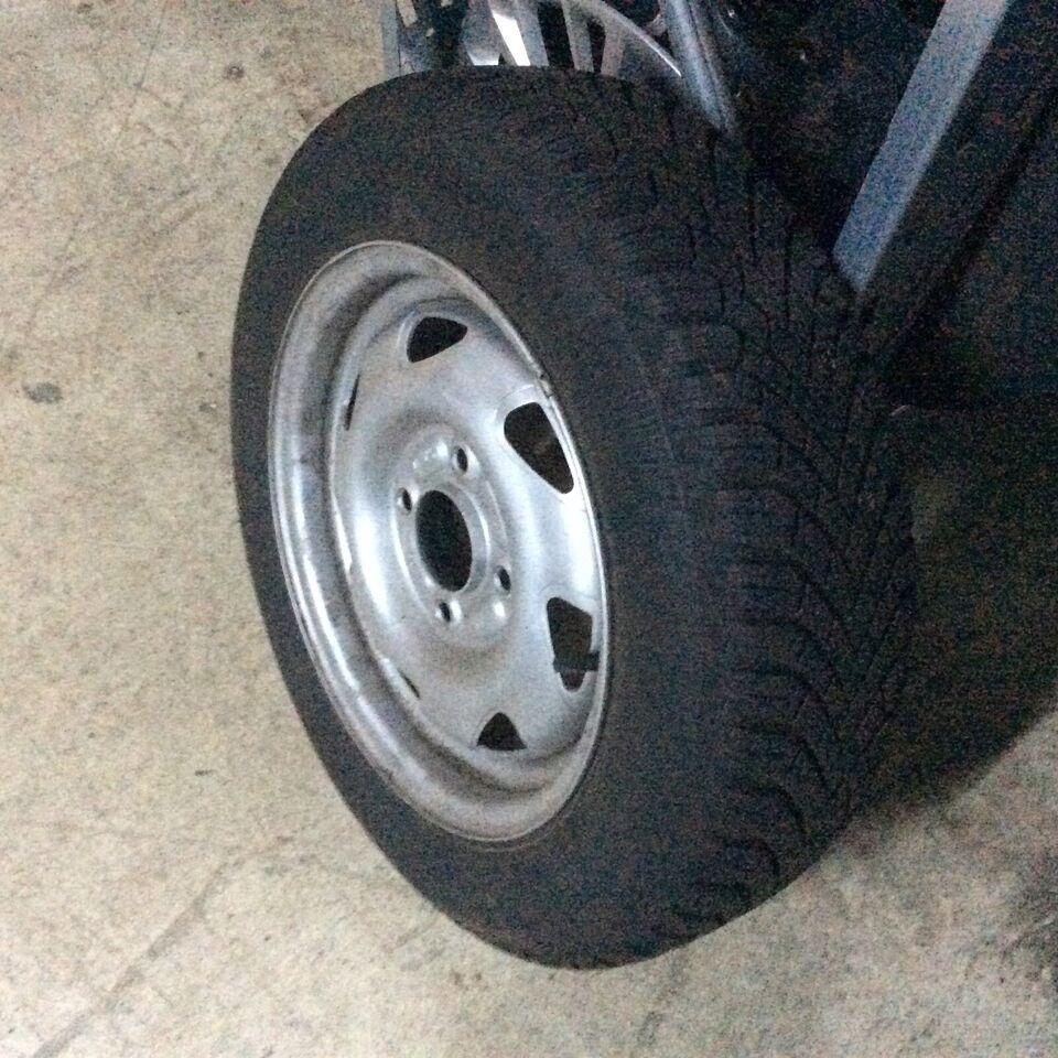 ford ka 1,3  næsten nye super vinterhjul  3000km