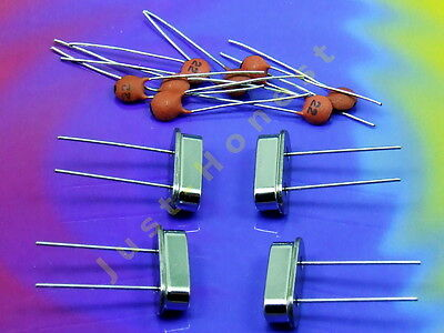 KIT:4x Quarz / Quartz +8x Kondensator / Capacitor (4;8;10;12;16;20;25 MHz)