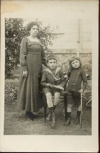 Photographie-ancienne-Famille