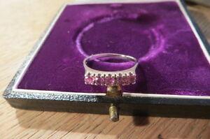 Bezaubernder-835-Ring-Silber-rosa-rote-Steinchen-Designer-Vintage-Rertro-Top