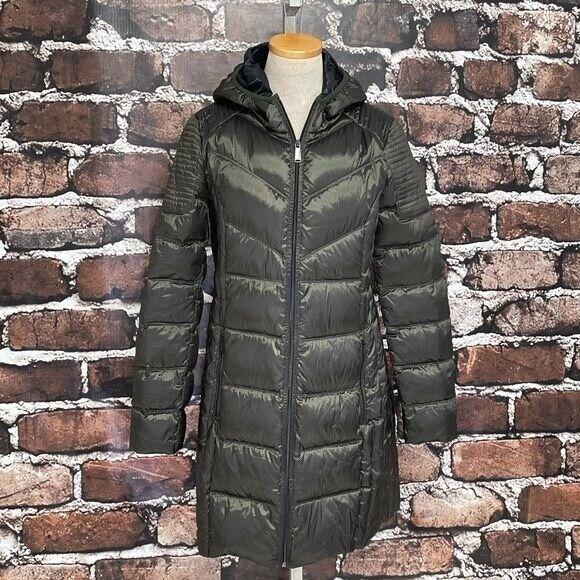 BCBGENERATION Coat Packable Down Puffer Jacket Hood Size Medium