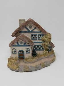 House-Of-Lloyd-Lighted-Cottage-House-Winter-Season-1993