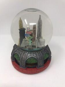 Sankyo-New-York-City-Subway-Snow-Globe-Music-Box