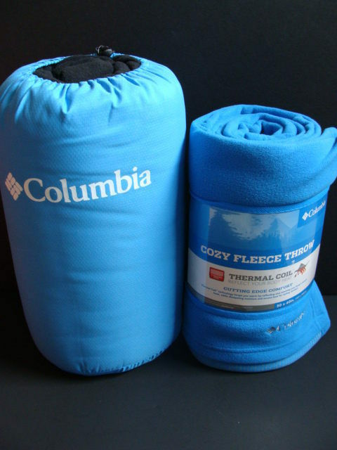 NWT COLUMBIA Reversible Throw 50  x 60  Fleece  Blanket bluee Water Repel Outdoor  take up to 70% off