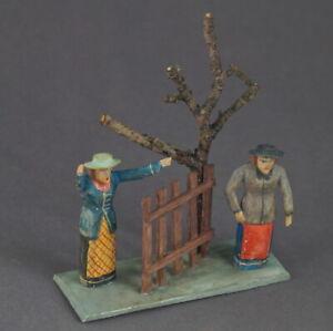 Grulicher-Krippenfigur-034-2-Frauen-am-Zaun-034-Holz-geschnitzt-7-5-cm-10501