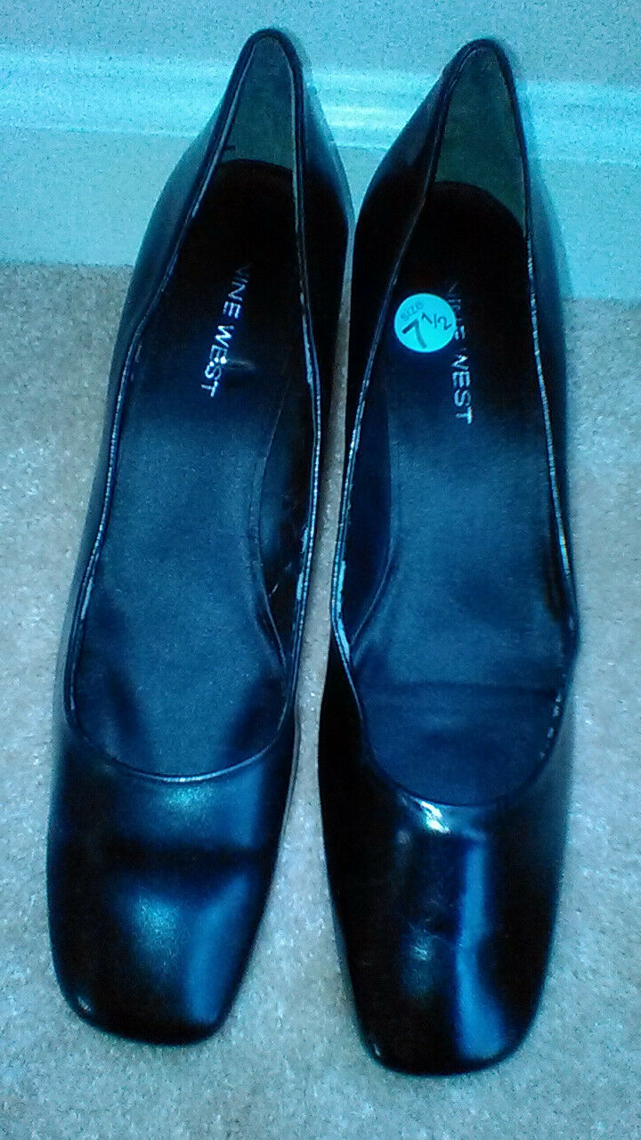 Nine West Pumps, possibly mislabled 7.5 fits fits fits like a size 7, kitten heel, New 7f3cf1