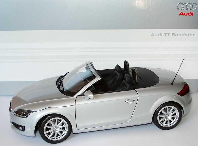 AUDI TT ROADSTER 2006 V6 3.2 LICHTargento MINICHAMPS 501.05.005.15 1 18 1 18