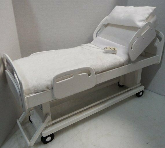 1  6th scale azione cifra barbie bambola playscale adjustable HOSPITAL BED  garantito