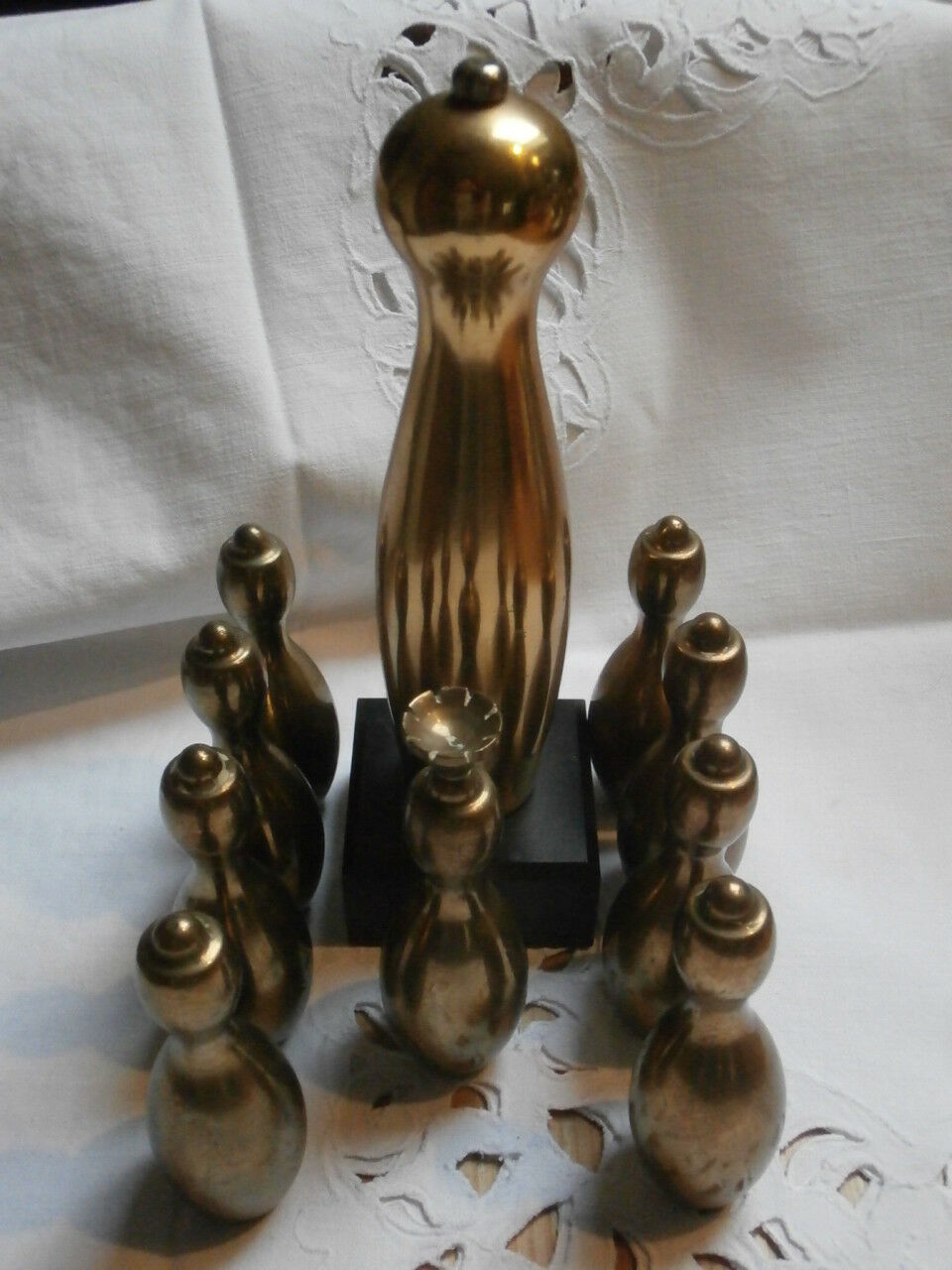 Vintage kegelverein raíz mesa kegelpins masivamente de latón trofeo coleccionista rareza
