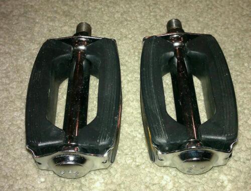 NEW BOW  BIKE PEDALS 1//2 SCHWINN STINGRAY KRATE CRUISER BICYCLE PEDALS