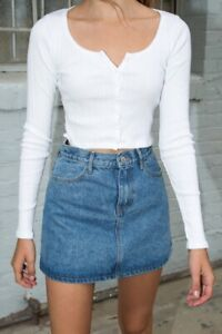 brandy-melville-white-crop-ribbed-long-sleeve-button-up-Zelly-top-NWT-sz-XS-S