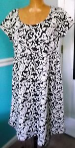 MOTHERHOOD OH BABY BLACK & WHITE FLORAL KNIT MATERNITY DRESS - LARGE - NWD