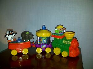 LITTLE-PEOPLE-Train-Musical-du-zoo-avec-personnages-FISHER-PRICE