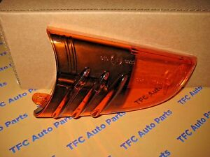 Chevy Gm Trailblazer Rh Mirror Turn Signal Lens W Bulb