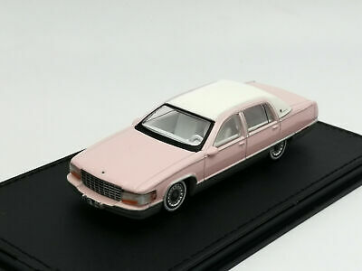 GOC 1//64 Alloy car model Cadillac Fleetwood Gift collection 3 colors