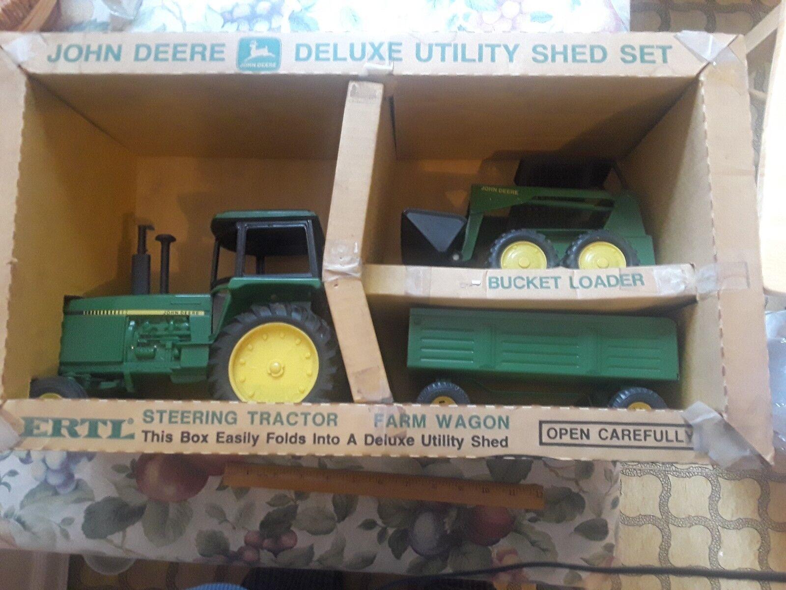 seguro de calidad Escasas Escasas Escasas Escasas Rara Vintage Perfecto Estado John Deere Deluxe Utilidad Cobertizo Set  el mejor servicio post-venta