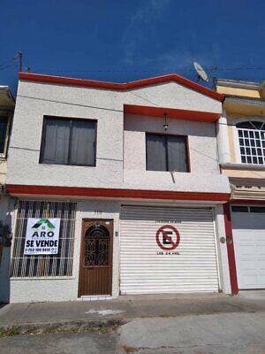 Casa venta 2 Pisos con Local comercial  Lazaro Cardenas Michoacan