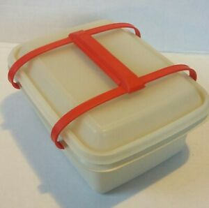 VTG White Tupperware Lunch Box w/lid &  red handles. Would be great for crafts!