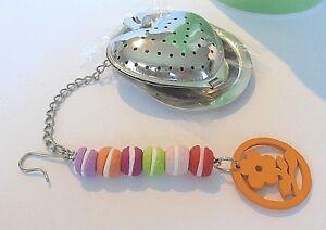 Boule-a-the-Coeur-amp-Breloques-Macarons-Fimo-idee-cadeau-Gourmand-Unique-amp-Neuf