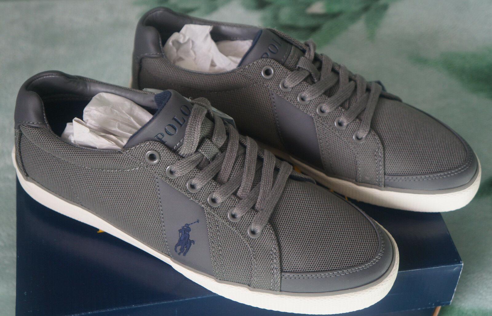 Brand New Ralph Lauren Hugh Trainers in Gris -