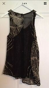 Gorgeous-Topshop-black-and-white-sleeveless-unusual-top-Size-8