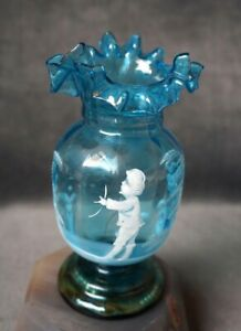 Antique-Victorian-Mary-Gregory-blue-Art-glass-vase-Urn-Ruffled-Rim-Etched-boy