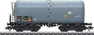 Marklin-47946-Type-262-Heavy-Oil-Tank-Car-DB-AG-Era-IV-gray