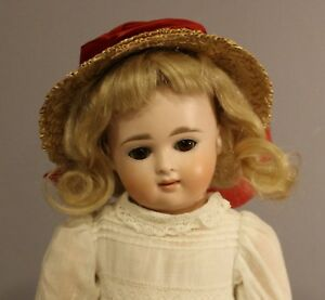 ANTIQUE-CLOSED-MOUTH-GERMAN-BISQUE-DOLL-By-KESTNER