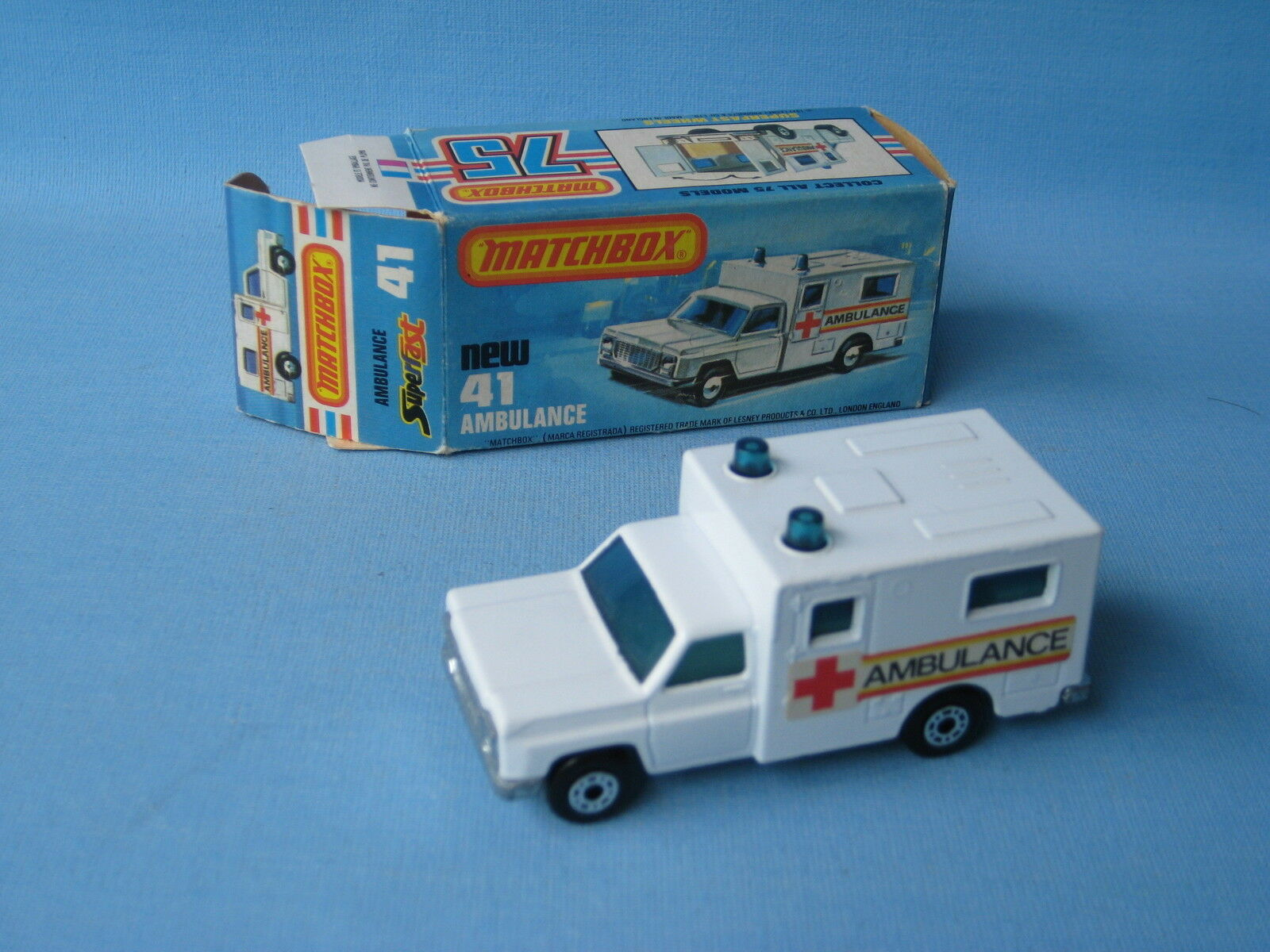 Lesney Matchbox Superfast 41 Ambulance Red Cross Labels Boxed Toy Model 70mm